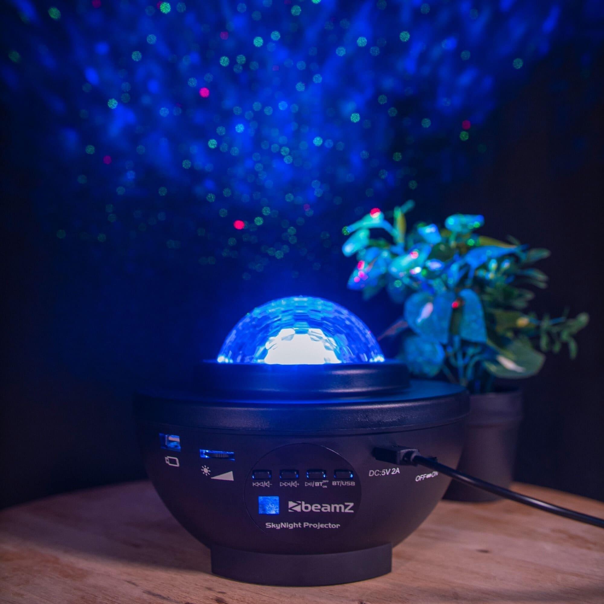 SkyNight Projektor med röda och gröna stjärnor, vatteneffekt